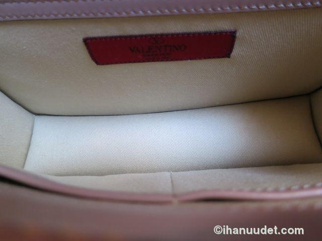 Valentino Glamlock Medium Poudre10.JPG