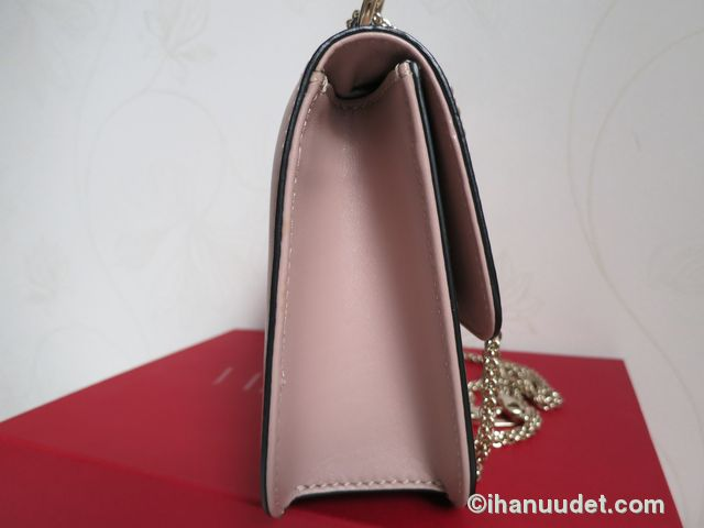 Valentino Glamlock Medium Poudre7.JPG
